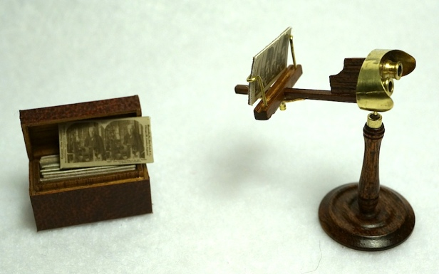 Stereoscope and cards