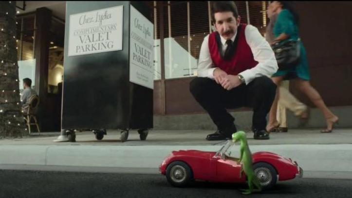 geico-valet-gecko-journey-large-5